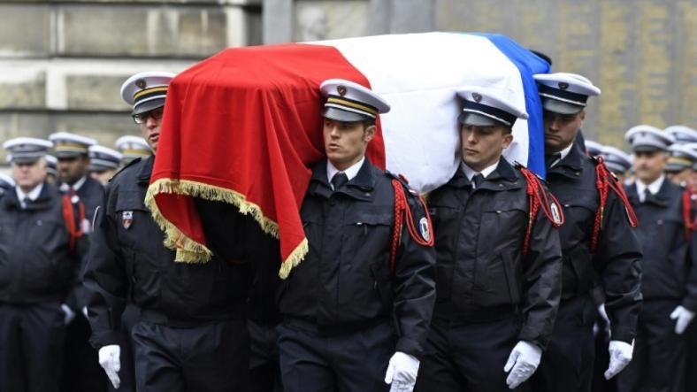 25042017 ceremonie policier mort.jpg