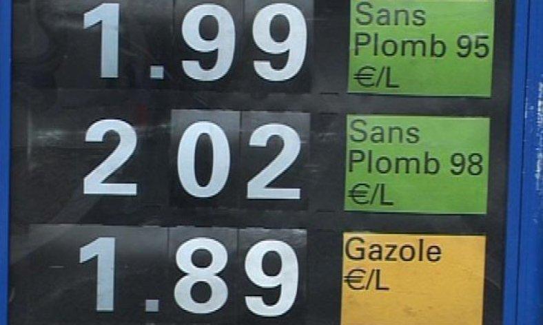 carburant 2 euros.jpg