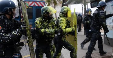 gilets jaunes crs gendarmes mobiles