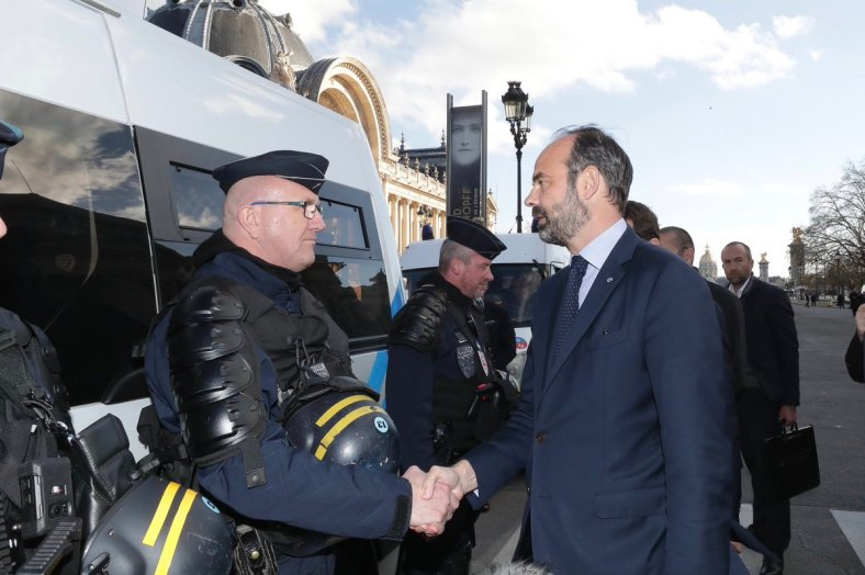 edouard philippe policiers