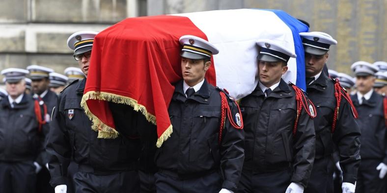 FRANCE-POLITICS-GOVERNMENT-VOTE-TERROR