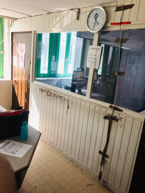 commissariat albertville climatisation insalubre ruine