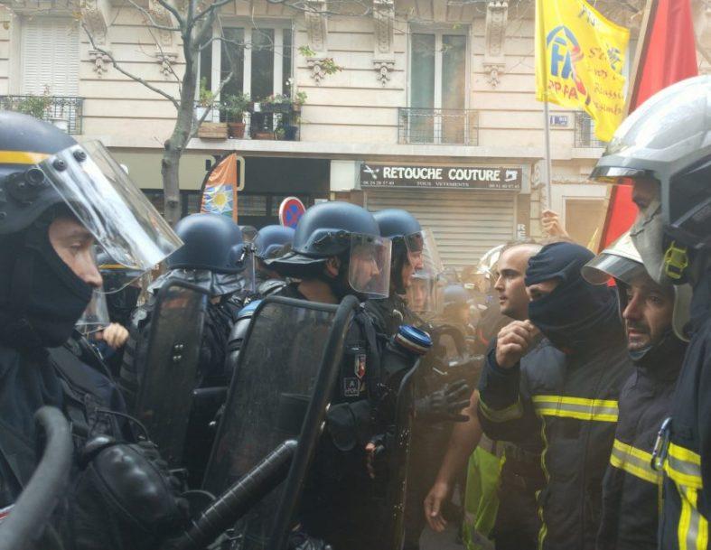 pompiers gendarmes affrontement