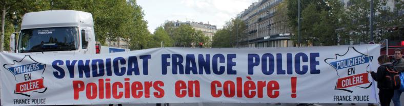 banderole france police