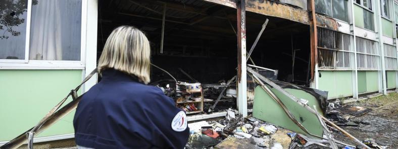 école des tamaris incendie béziers police violences urbaines
